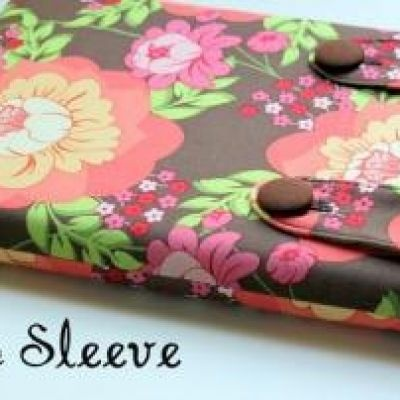 Laptop / Kindle / iPad Sleeve Tutorial: Sleeve Tutorials, Gifts Ideas, Kindle Covers, Laptops Covers, Laptops Cases, Ipad Sleeve, Laptops Sleeve, Christmas Gifts, Cottages Home