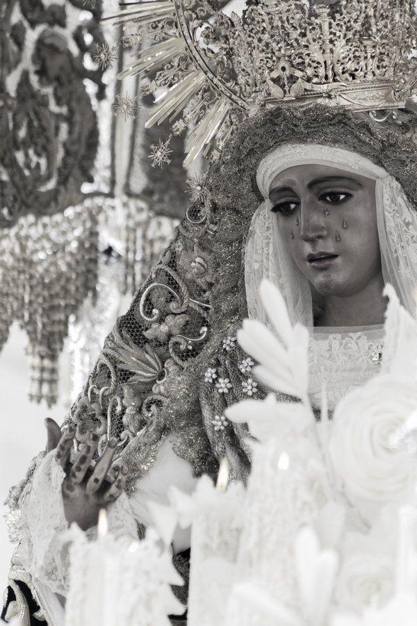 Nuestra Señora de la Esperanza de Triana  Semana Santa de Sevilla 2013
