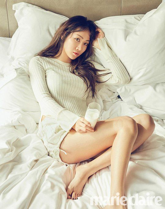 SISTAR's Soyu is the definition of healthy for 'Marie Claire' | allkpop.com