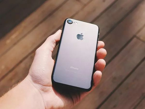 I'm really glad I know about #2 on this list now. Hidden tricks you didn't know your iPhone could do http://www.popsci.com/hidden-iphone-tricks#page-8