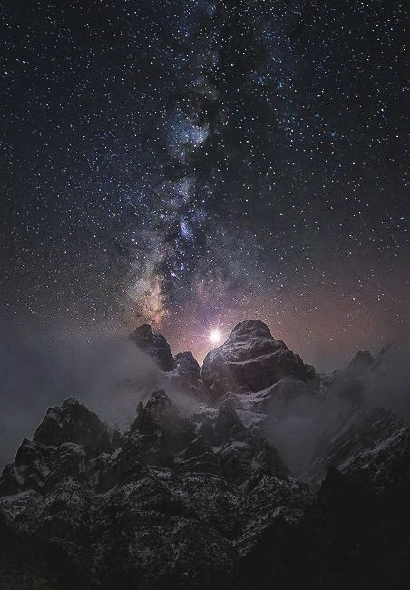 At the Edge of the World | World Fam0us Co. – Tumblr – Ruowen Huang