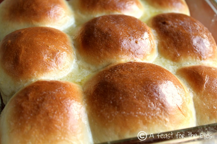 A Feast for the Eyes: 60-Minute Dinner Rolls (Yes,fresh baked rolls in one hour!)