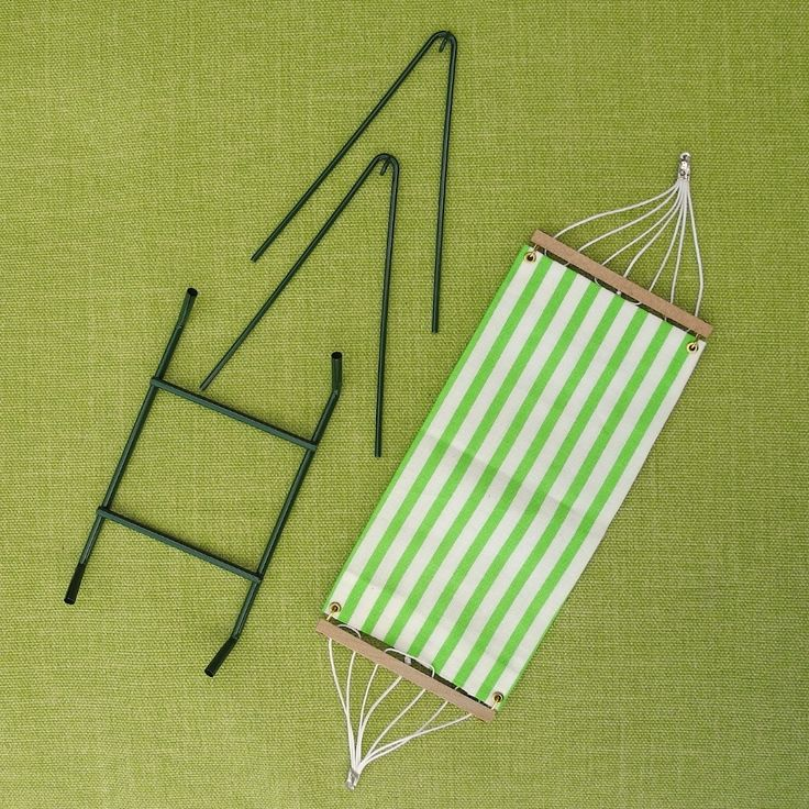 Miniature Garden Hammock - it's 1:12 scale but the concept is great for making it in 1/4