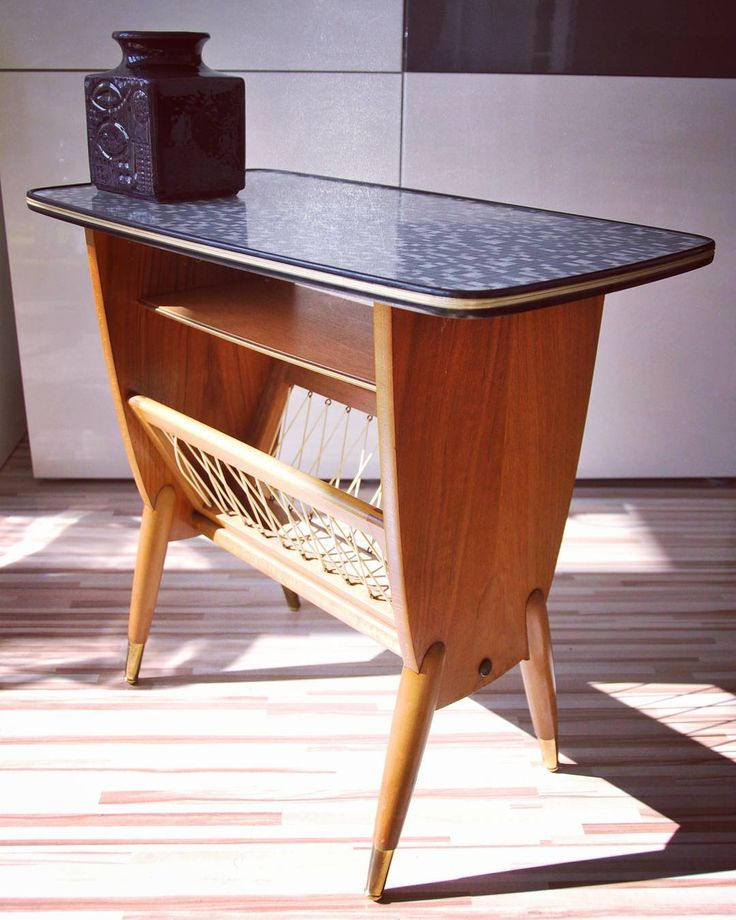 German mid century table #german #westgerman #table #vintage #vintagetable #news #newspaper #paper #holder #newspaperholder #kidney #kidneyshape #modern #modernlook #moderndesign #furniture #midcentury #retro #retrostyle #vintagefurniture #vintageholder