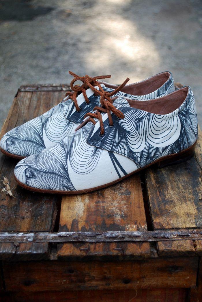 Justine Ashbee - Osborn Shoes - Retrouvez toutes les sélections Best-Of de CéWax sur le blog:https://cewax.wordpress.com/  Chaussure ethnique tissus africains, Ankara, african fashion prints pattern fabrics, wax, superwax, kente, kitenge, kanga, bogolan, pagne, mud cloth, woodin…