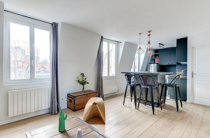 Architectes d'intérieurs, Agence Transition interior Design, Architectes: Margaux Meza et Carla Lopez Salon cuisine noire