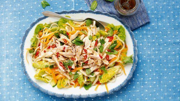 Míchaný salát s kuřetem v asijském stylu Foto: