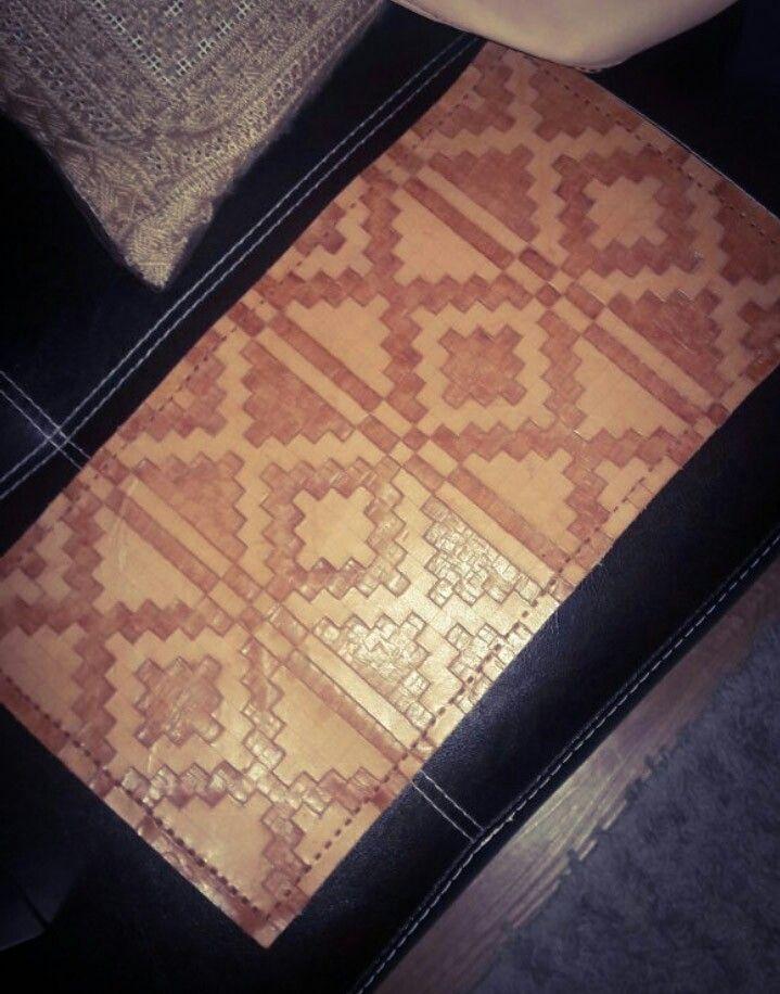2 centro de mesa cuero, diseño aymara