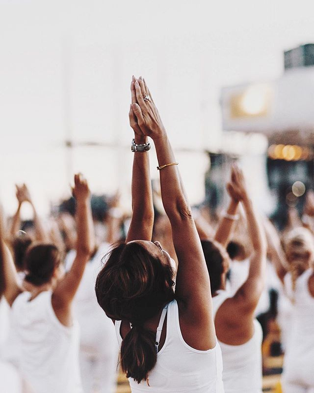 Last night I was invited to attend the Lolë White Tour yoga event underneath the full moon with over 7,000 people at Montreal's Old Port. It was absolutely breathtaking to see everyone connect as one for a night. It was an unbelievable, emotional evening to remember. - #EscapeMoment / #MomentDevasion with @Oikos_Canada