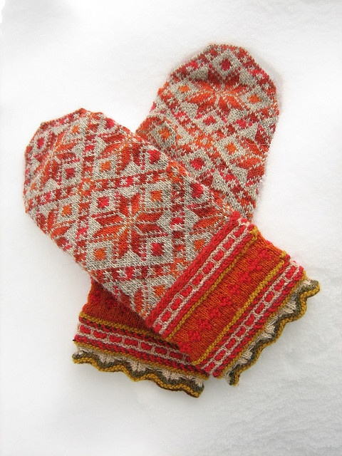 the most gorgeous fair isle mittens I've seen in a long time.
