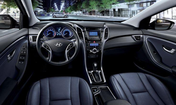 WYGODA  i30 pozwoli Ci na wybranie trybu pracy układu kierowniczego Normal, Sport lub Comport. Z Flex SteerTM prowadzenie samochodu staje się bardziej intuicyjne i emocjonujące niż kiedykolwiek.