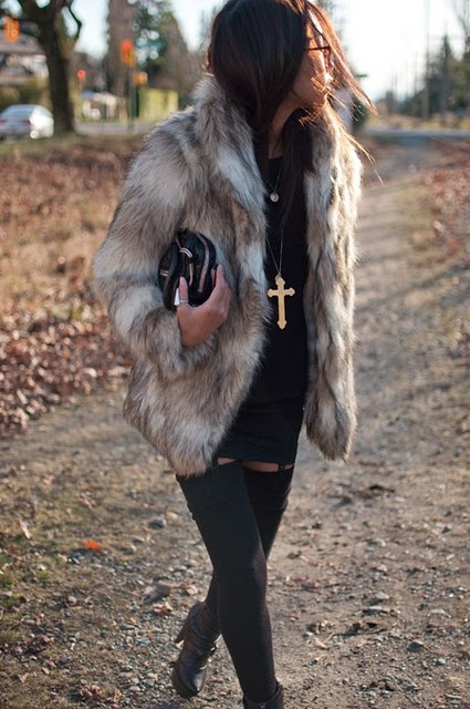 this is really cute..but i would never wear real fur.. if its fake than ill take! :)