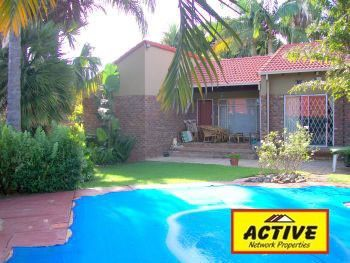 R1,200,000 3 Bed Florauna House For Sale - Property Info