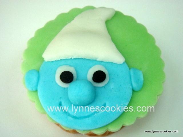 2D smurf cupcake