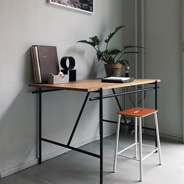 Frama office environment: WD-1 Writing Desk by @chrisliljehal and Adam Stool by @tokelauridsen. #framastudiostore #frama #framacph