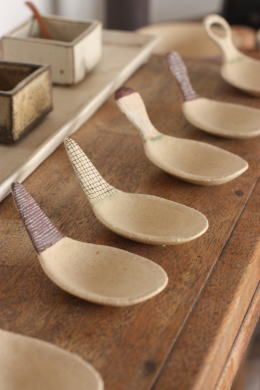 ceramic cup/spoon