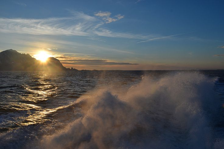 In waves.  #helgeland #norway #fjords #sea #mountains #seascape #settingsun #travelling #ship
