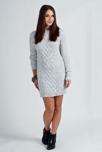 Rochie tricotata, de culoare gri-deschis, cu model interesant - Rochie tricotata, de culoare gri-deschis. Are maneci lungi, decolteu rotund si model impletit, interesant. Este confortabila si se potriveste tinutelor casual din sezonul rece. Colectia Rochii de toamna iarna de la  www.rochii-ieftine.net