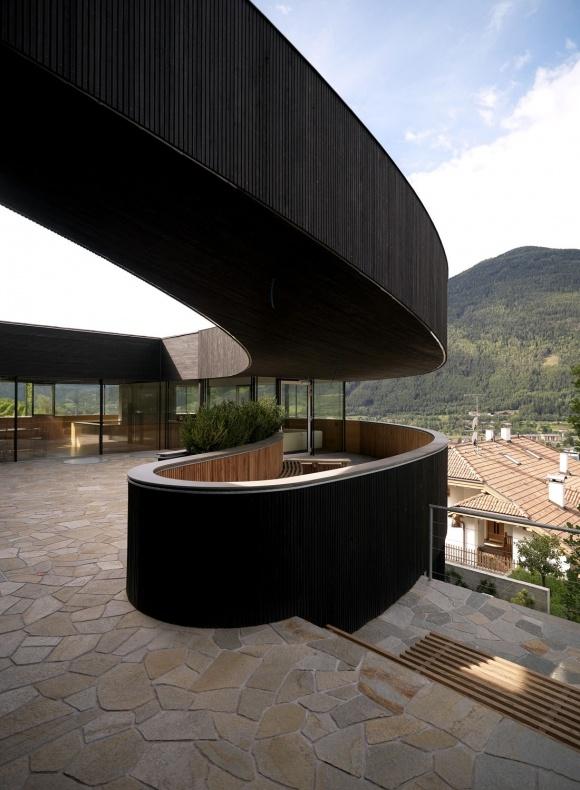 HOUSE D BY PAUHOF ARCHITEKTEN