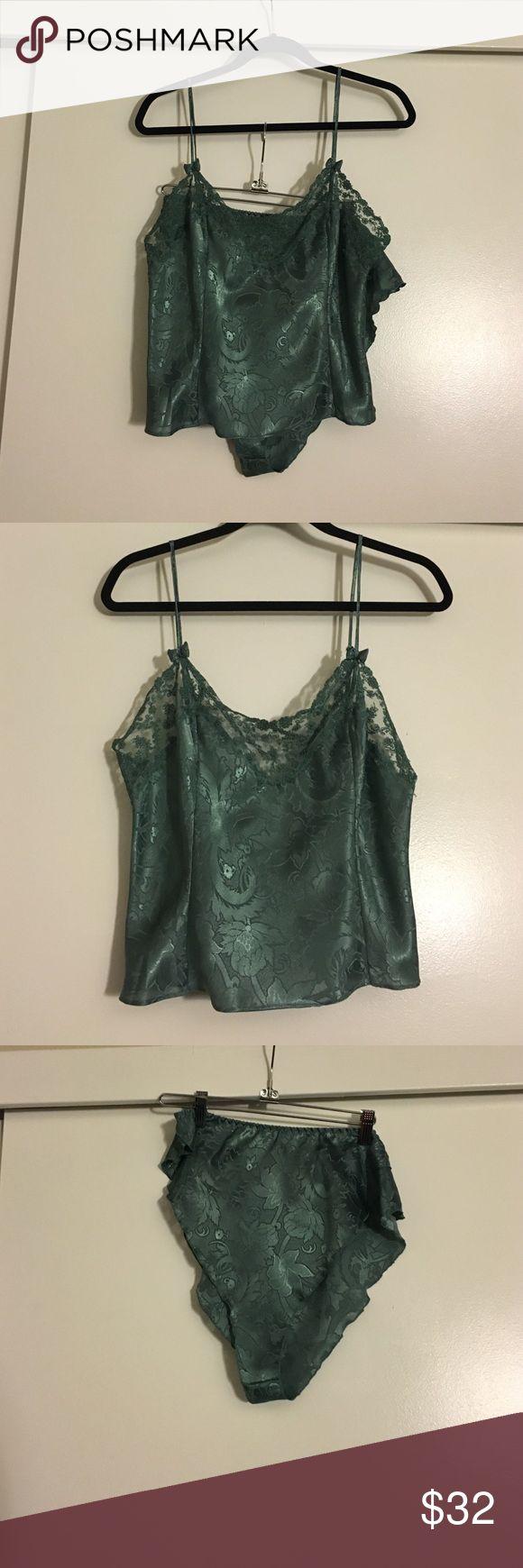 VS Lingerie Set NWOT VS Lingerie emerald green set! Too big for me never worn! Size medium! Victoria's Secret Intimates & Sleepwear
