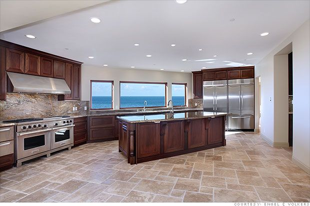 "<3 this kitchen floor!  The rest of the kitchen ""ain't"" bad either...: Kitchens Window, Dreams Kitchens, Kitchens Floors, House Ideas, Dreams House, Travertine Kitchens, Laguna Beaches, Big Kitchens, 31401 Mars"