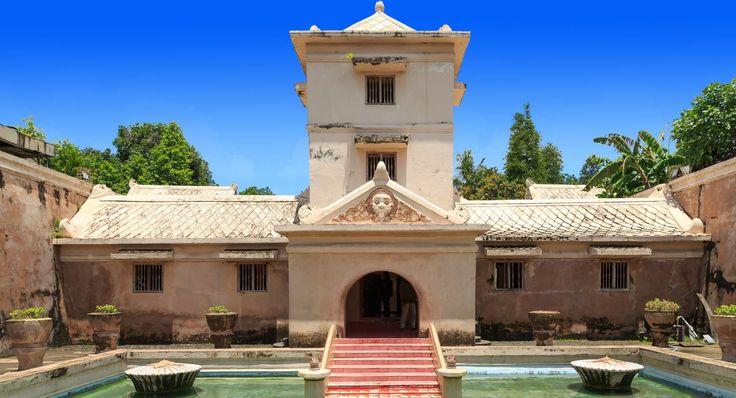 Taman Sari Yogyakarta - Sultanate Water Castle
