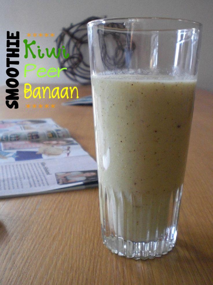 Kiwi peer banaan sinaasappel smoothie , griekse yoghurt .evt havermout .