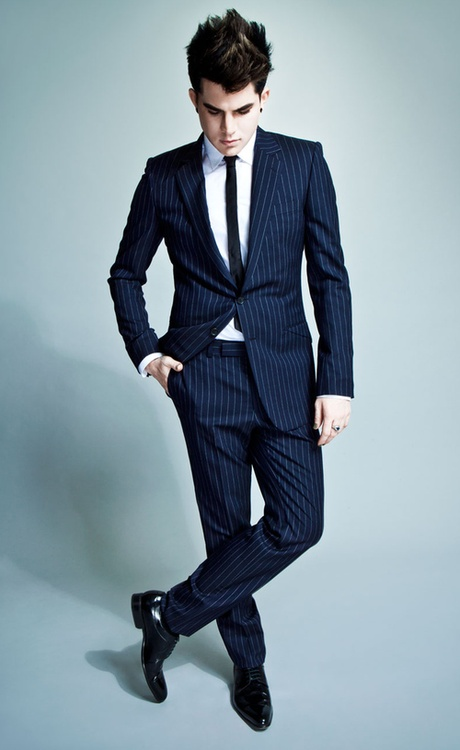 """Adam LambertAdam almbert is looking very sexy in a blue tux, but still gives us that """"BAM"""" all glamberts love!"""