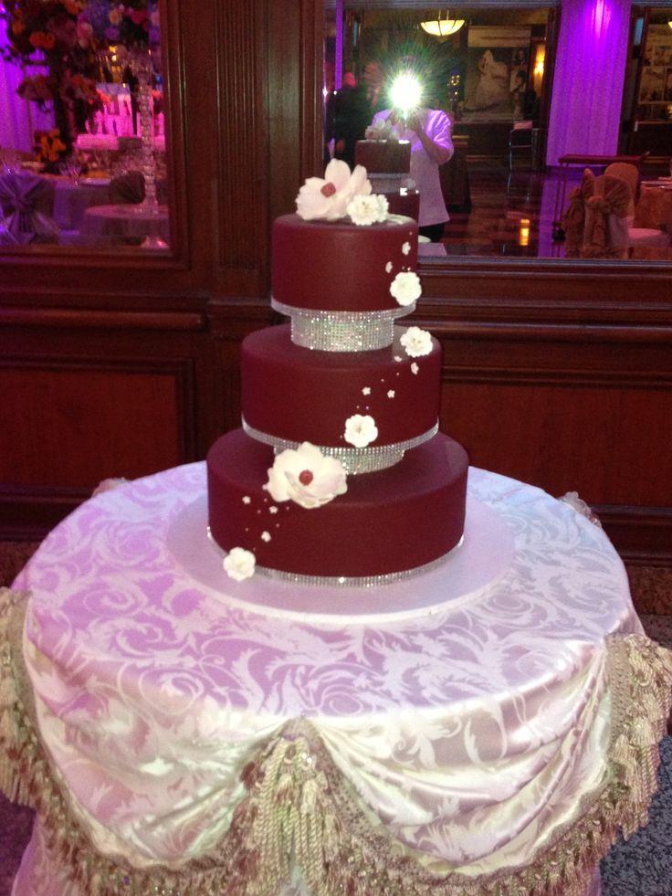 Separated Tiers Wedding Cake Weddings Cake Wedding