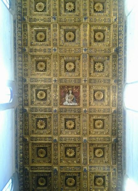 Soffitto a cassettoni ricoperto di oro zecchino proveniente dalle Americhe