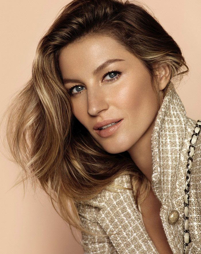 Gisele Bundchen stars in Chanel Les Beiges foundation campaign Photoshoot                                                                                                                                                     Más