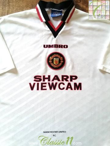 Relive Manchester United's 1996/1997 season with this original Umbro away football shirt.