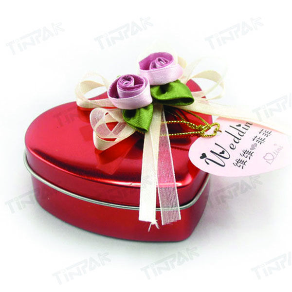small heart tin for Valentine chocolate packaging