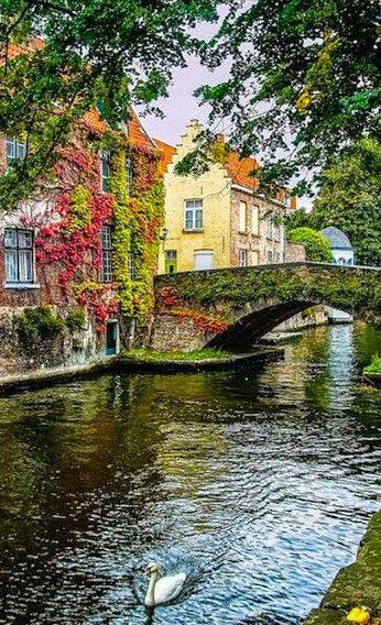 Canal escénica en Brujas, Bélgica