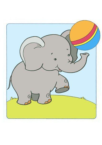(2015-11) Elefanten leger med bolden