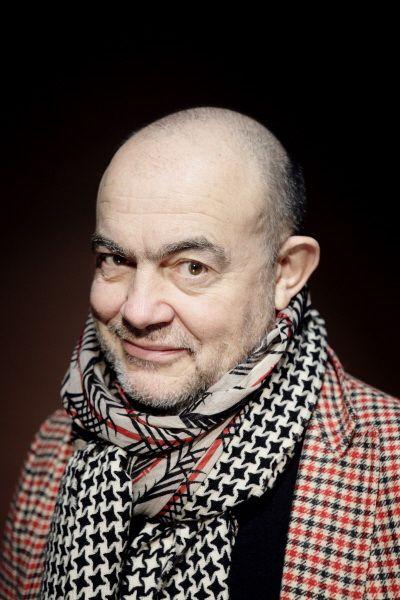 Christian LaCroix, le génie de la haute couture, ses créations sont de véritables oeuvres d'art  | The House of Beccaria #