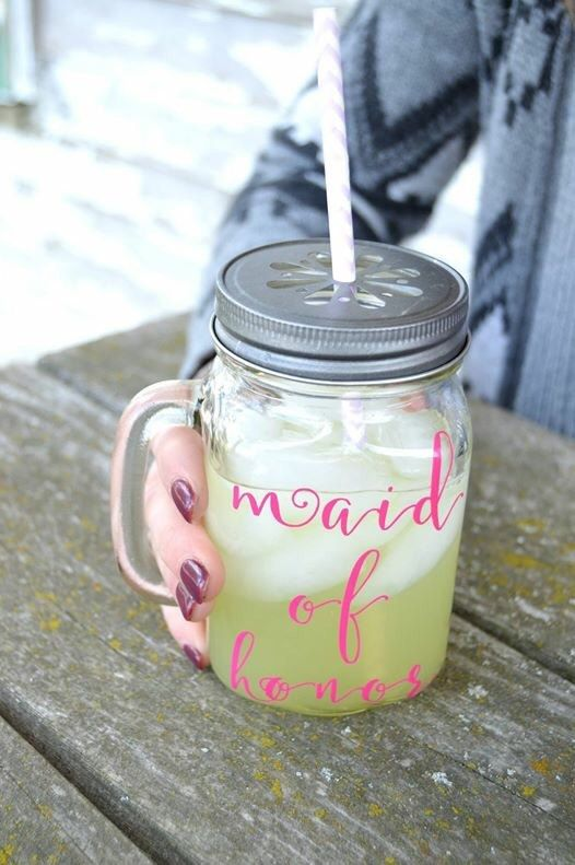 Bridal party gifts are an essential party of any wedding, and can be especially thoughtful ways to thank the ladies that stand up with you on the big day. If you are having a Southern Chic, outdoor, or rustic wedding then you are already well acquainted with the beauty of mason jars. Why not elevate your bridal party gifts to the same theme with one of our personalized mason jar mugs?