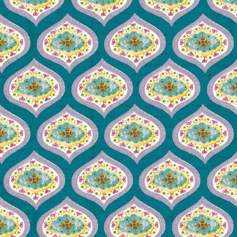 """TELA """"CHIC MEDALLION"""". Tela 100% algodón de primera calidad de Clothworks (USA). Románticos motivos en forma de medallones con flores y corazones. Fondo color verde/azul petroleo en el que se ve grabado un texto. Ancho 110 cm. El patrón se repite cada 7,3 x 9,2 cm (anxal).  Es ligera, ideal para patchwork, confección, decoración y otros proyectos de costura. #telainfantil #clothworksfabrics #childrenfabrics #telasinfantiles #telaspatchwork #telageometricos"""