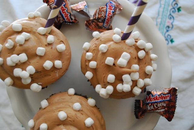 Hot Cocoa 3 Muskateers Cupcakes   The Domestic Rebel
