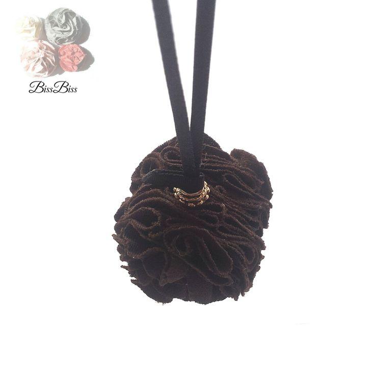 BissBiss   #bissbiss #shopbissbiss #fabricflowers #flowers #handmade #handmadewithlove #ooak #accessories #ecofashion #sustainable   #vintage #vintagefabric #handbag #charm