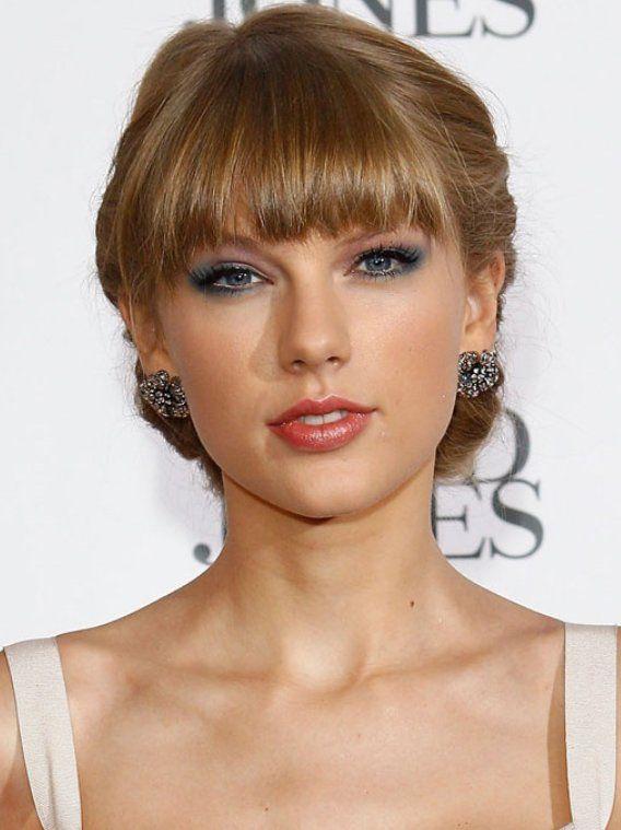Taylor Swift Blue Eye Makeup At 2012 ARIA Awards ~ Krazy Fashion Rocks