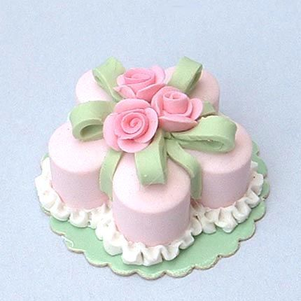 Dollhouse Miniature Wedding Cakes | Pin Cake Dollhouse Miniature Pink Roses On Square Chocolate Cake on ...