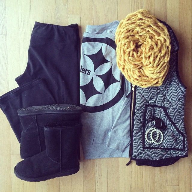 Steeler Sweatshirt, Chunky Infinity Scarf, Herringbone Vest | except nix the Steelers sweatshirt ;)