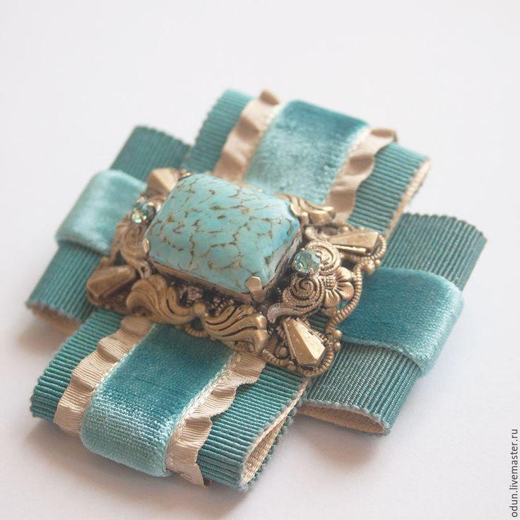 Купить Брошь бирюзовая - бирюзовый, винтажная брошь, стильное украшение, бархатная лента, репсовая лента