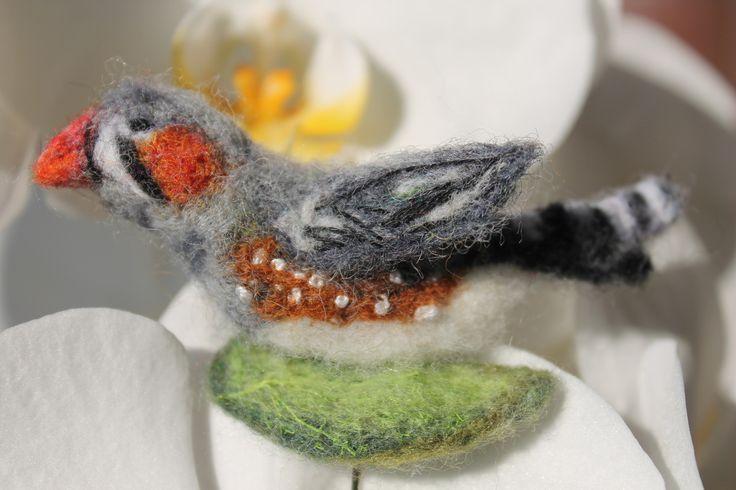 """Broche """"Diamant mandarine"""" oiseau beau et intéressant : Broche par yana777"""
