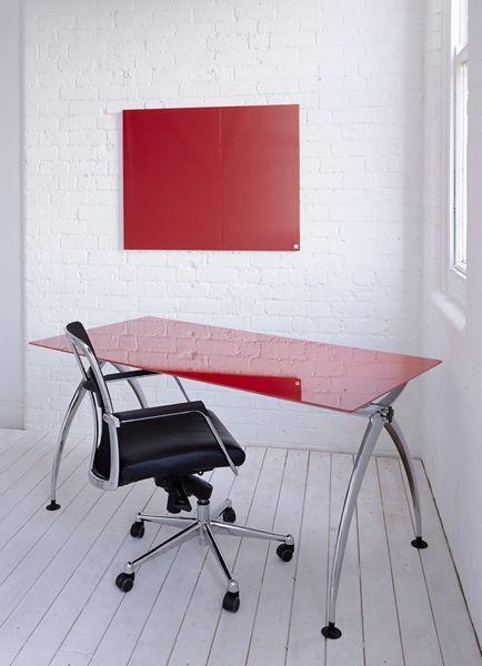 #cascaglass #glasstable #desk #officeinteriors #glassboard
