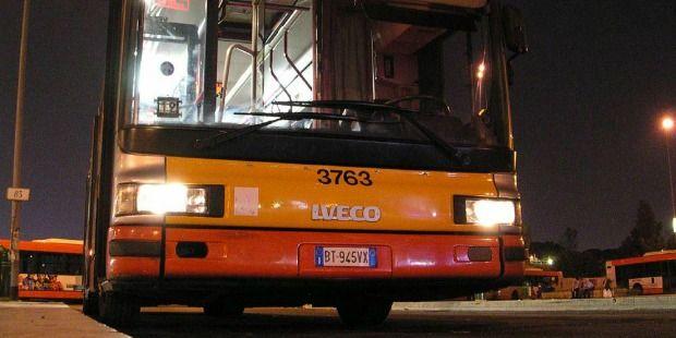 Bus periferia, vandalismo continua a persistere, soprattutto in zone come Tor Bella Monaca, San Basilio, Magliana e Primavalle