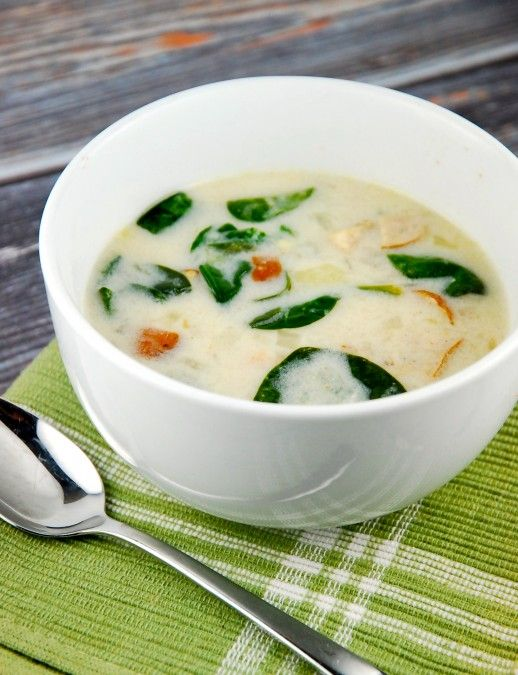 Checkout this easy Slow Cooker Zuppa Toscana Recipe at LaaLoosh.com! A delicious, yet healthier knockoff version of Olive Garden's most beloved soup.