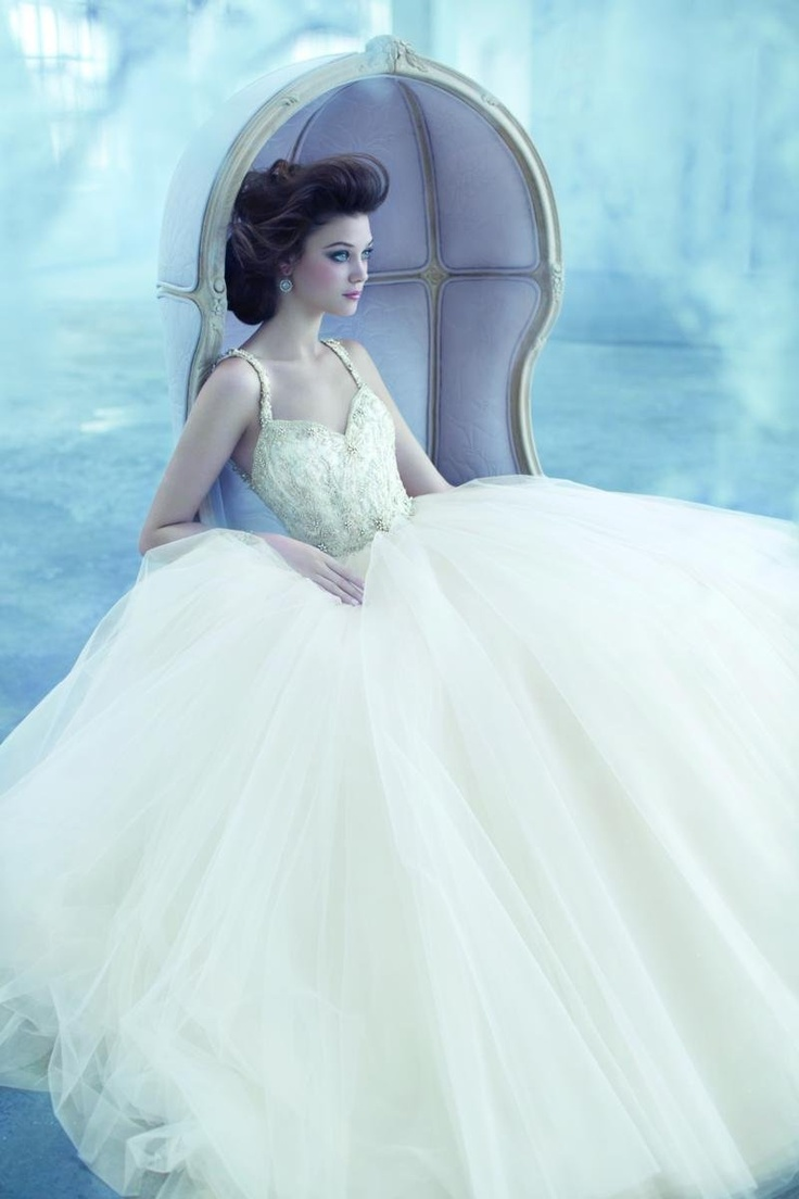 13 best ♥ Lazaro | Couture Designer | Jevel Wedding Planning ...