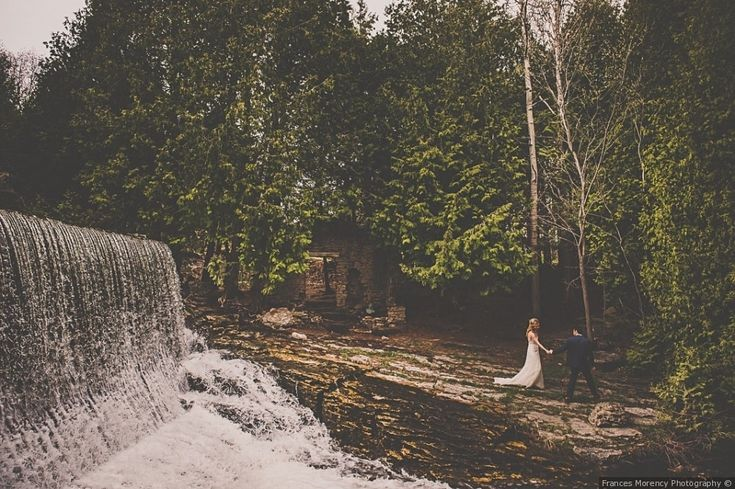 Located in Alton, Ontario, Millcroft Inn & Spa offers a superb setting for celebrating weddings and other special occasions. Not only does this venue offer stunning views of Shaw's Creek Falls, but it also has the grounds and facilities that provide